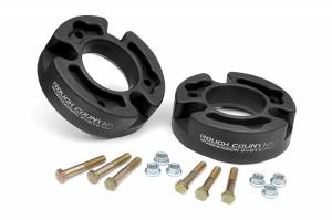 Suspension - Leveling Kits - Rough Country - 2.5-inch Suspension Leveling Kit - 570